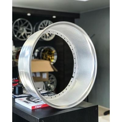 Привезённые под заказ прямые полки 17х6! Материал алюминий 6061-T6. . ✅Напоминаем, что к заказу доступны кованые полки и иннеры различных размеров практически для любых составных дисков.